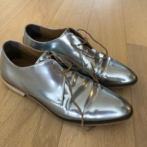 Everlane silver patent leather modern loafers